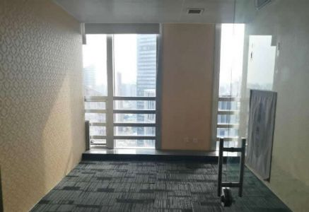 (出租) 万达广场,楼下即是金街,接待访客或者办公都可以!